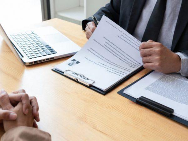 Curriculum vitae falso: licenziamento senza danno